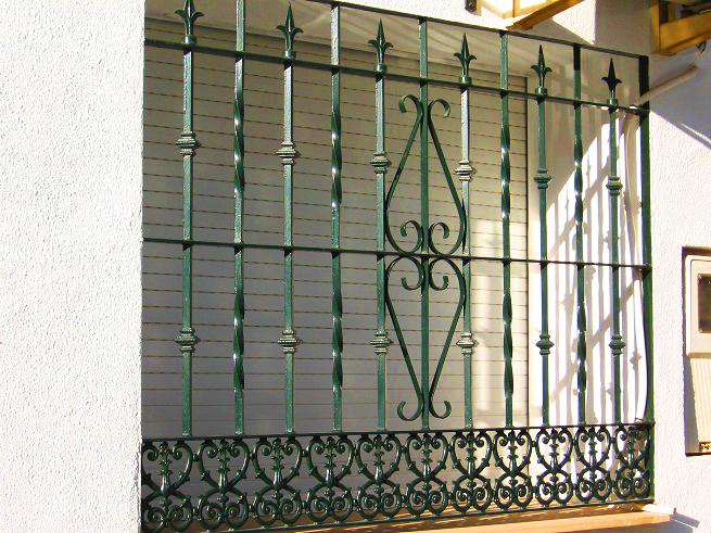 Rejas de seguridad para ventanas y puertas en san - Rejas de forja antiguas ...