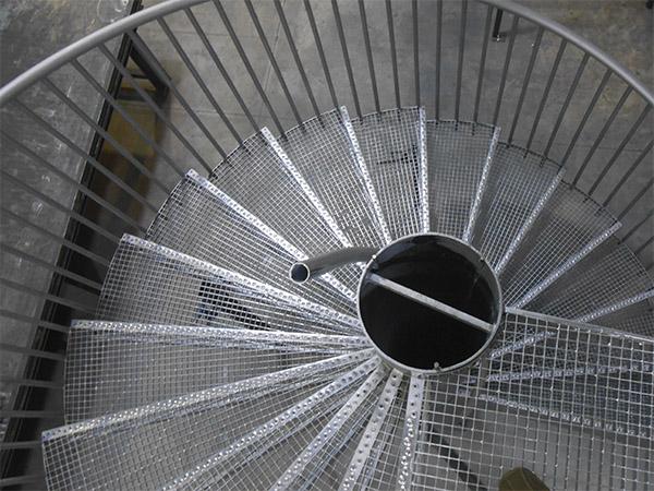 Escaleras en francia dise o y fabricaci n de 16 escaleras - Escaleras de caracol barcelona ...