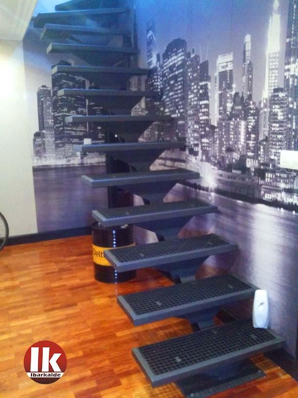 Escalera interior de dise o en gipuzkoa con estilo for Escaleras de duplex