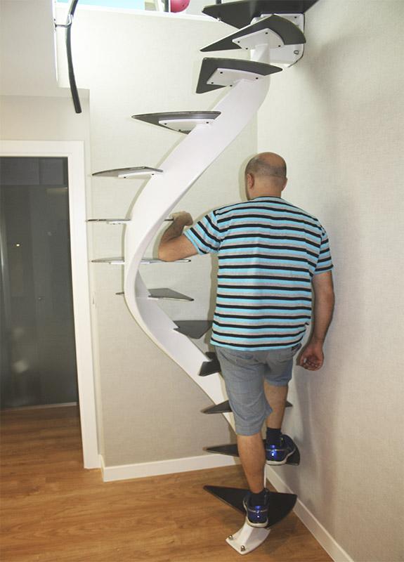 Escaleras en espacios reducidos stunning escaleras que for Escaleras modernas para espacios pequenos