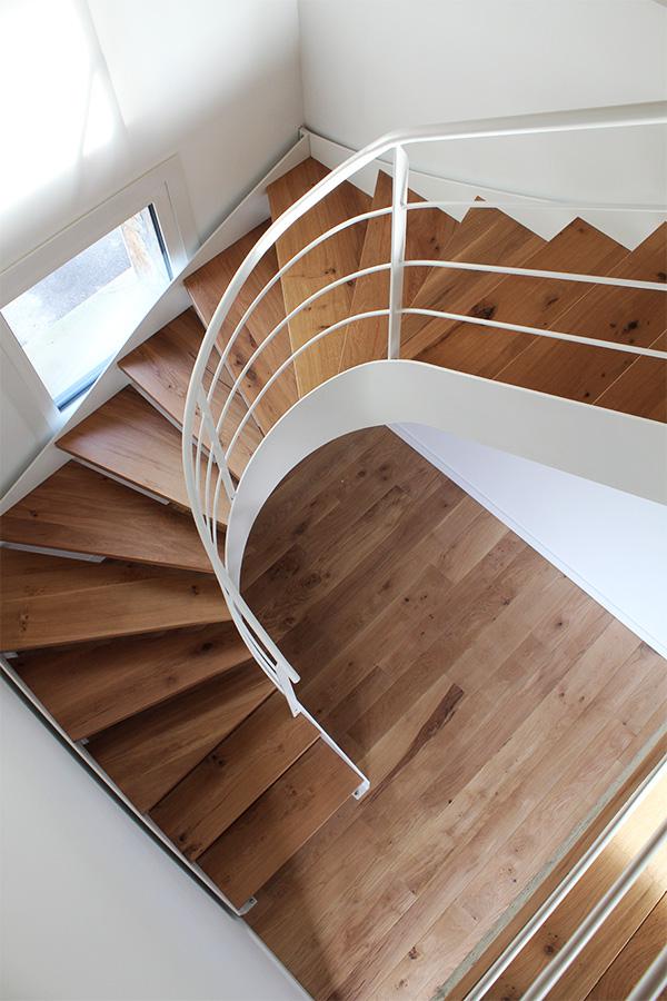 escalera modelo zizurkil compensada con zanca interior