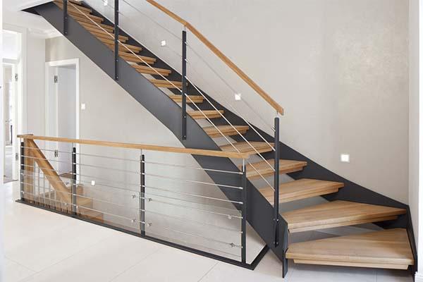 Escaleras met licas en pamplona navarra ibarkalde s l for Escaleras metalicas exteriores precios