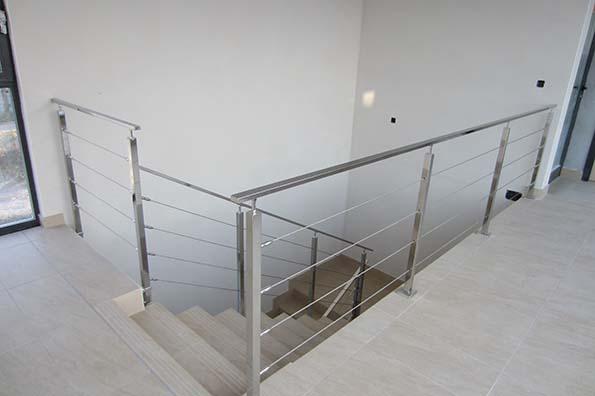Barandillas con cable de acero inoxidable en gipuzkoa - Escalera con tensores de acero ...