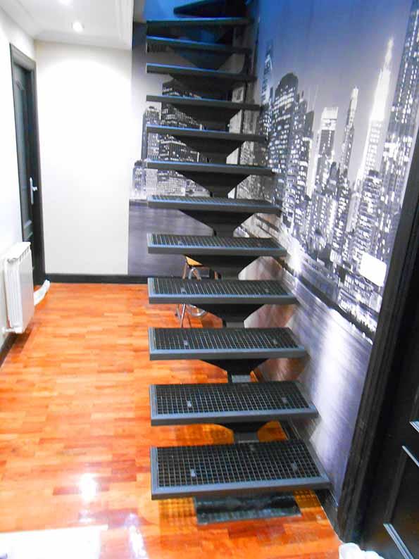 Escalera modelo new york de dise o para interior de for Escalera metalica para exteriores