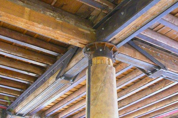 Refuerzos met licos para estructuras de madera en gipuzkoa ibarkalde s l hernani - Estructuras de madera para techos ...