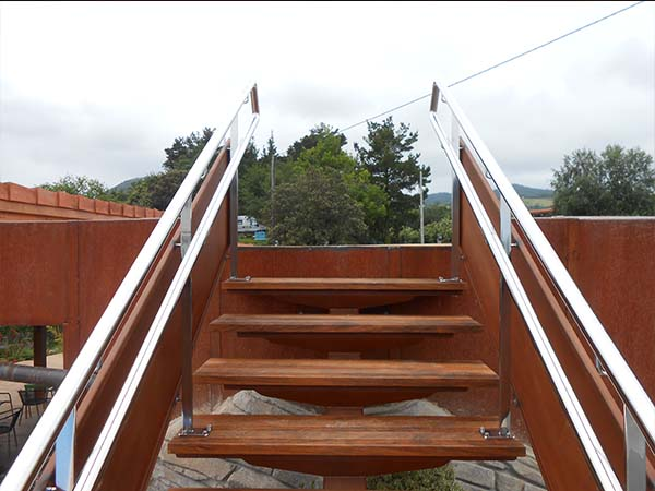 Escalera recta para exteriores en gipuzkoa herrer a - Normativa barandillas exteriores ...