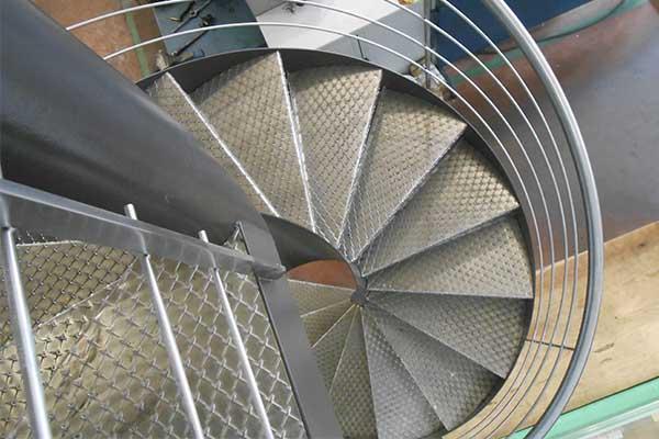 medidas de una escalera de caracol