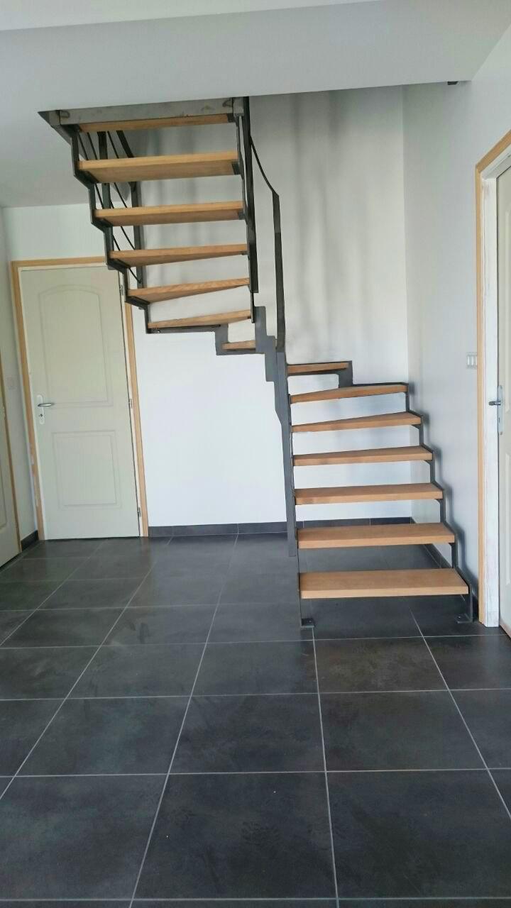 Escalera Compensada En Acero Granallado Y Con Pelda Os De Madera  ~ Escaleras Prefabricadas De Madera