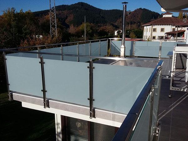 Barandilla de acero inoxidable y vidrio para terraza - Barandilla de acero inoxidable ...