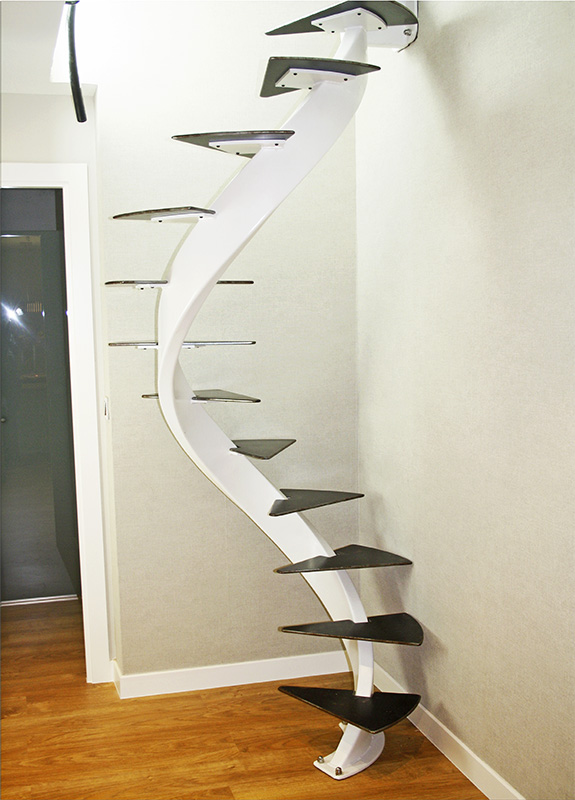 Escalera helicoidal modelo zarautz para espacio reducido for Diseno de escaleras para espacios pequenos