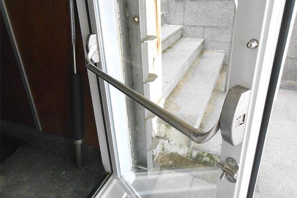 Puertas met licas ibarkalde s l de hernani gipuzkoa - Cerraduras para puertas metalicas ...