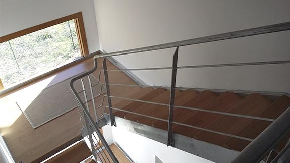 Escalera modelo zierbena galvanizada en caliente para vivienda unifamiliar - Escaleras para viviendas ...