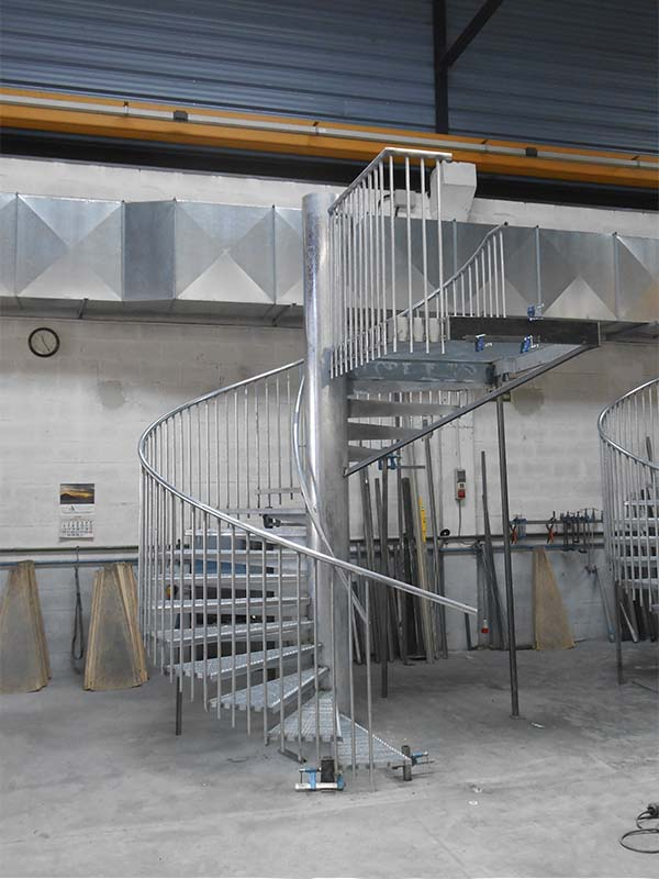 Escaleras en francia dise o y fabricaci n de 16 escaleras for Escaleras de viviendas